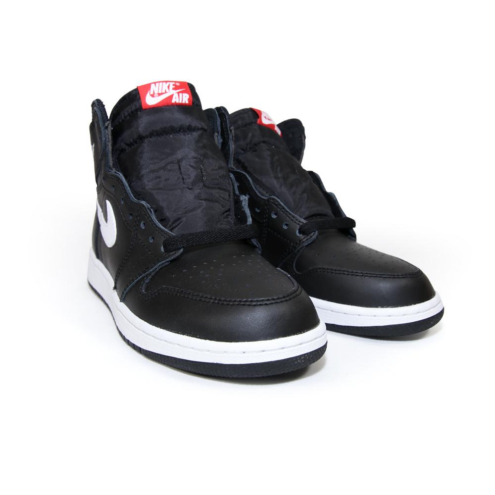 premium selection 810cc b0c88 Nike Air Jordan 1 Retro High